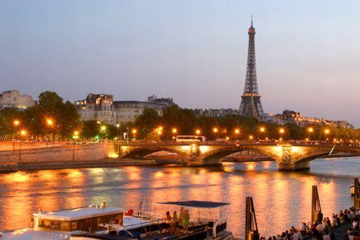 tour-eiffel-night-vue-paris